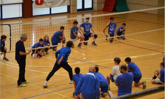 Allenamento congiunto per i giovani della Dinamo Pallavolo!